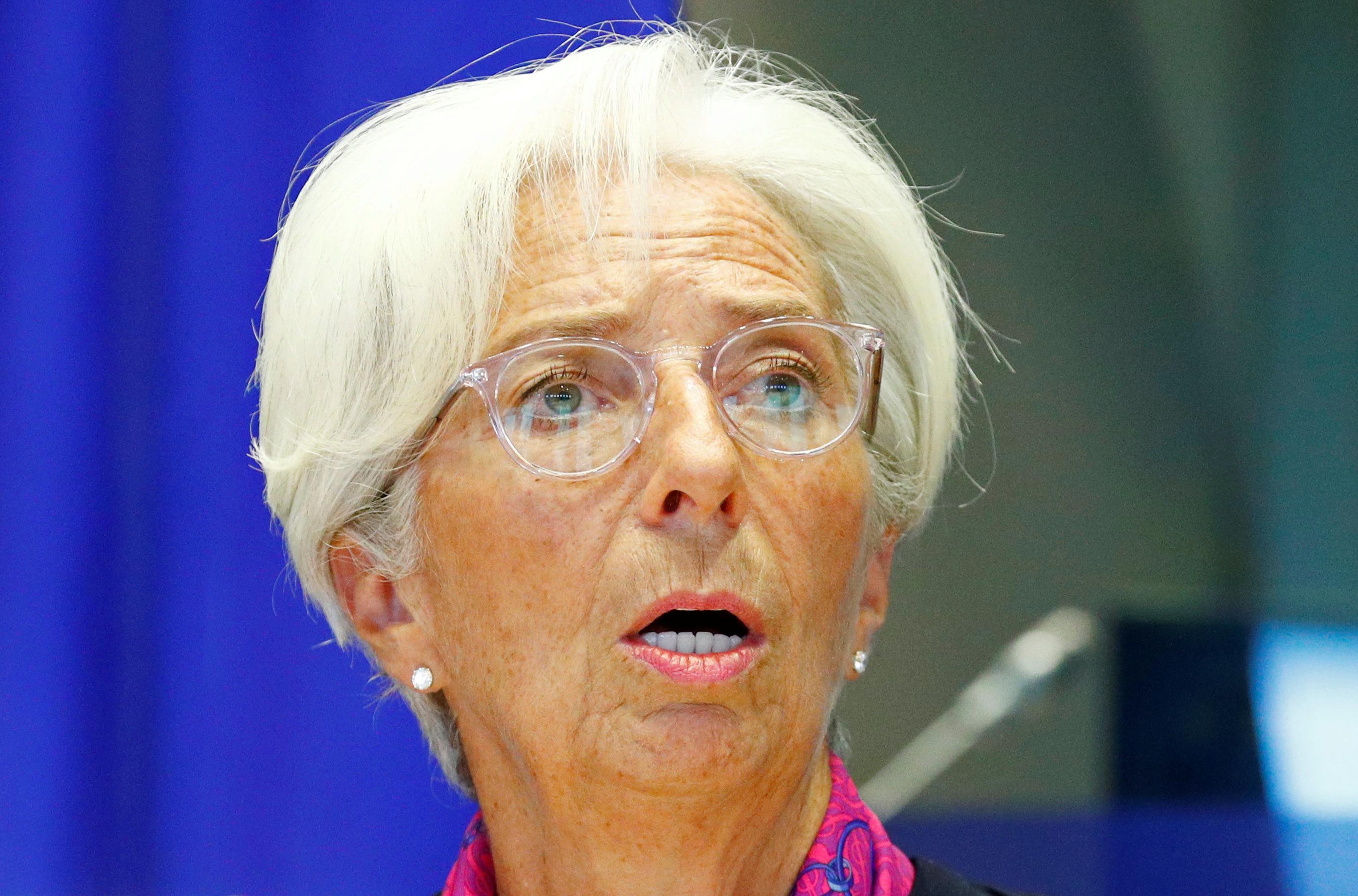 Lagarde says global growth 'fragile', 'under threat' - AFP