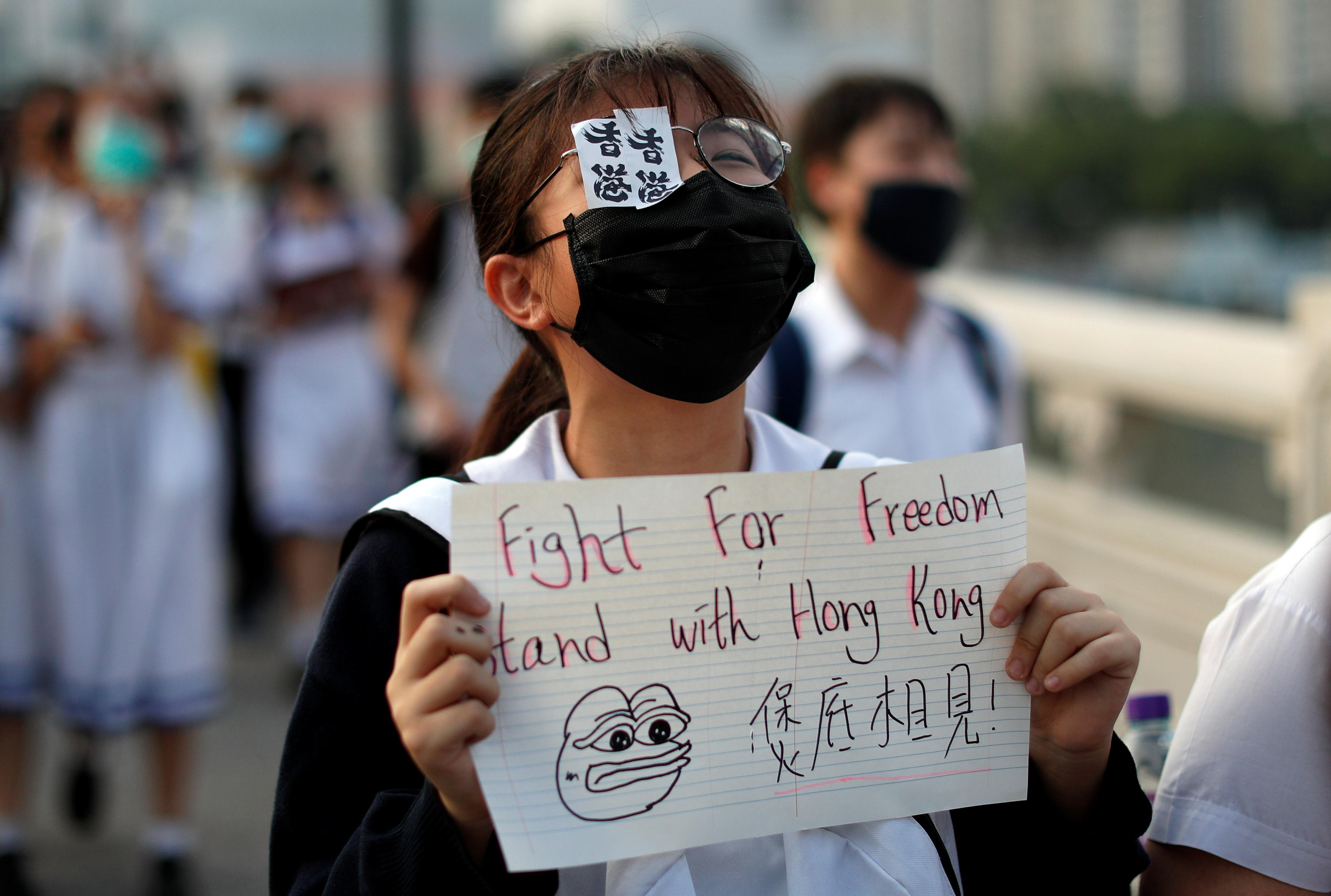 Amnesty accuses Hong Kong police of abuses, torture of protesters