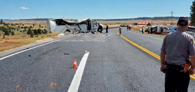 Bus filled with Chinese tourists crashes in Utah; four killed