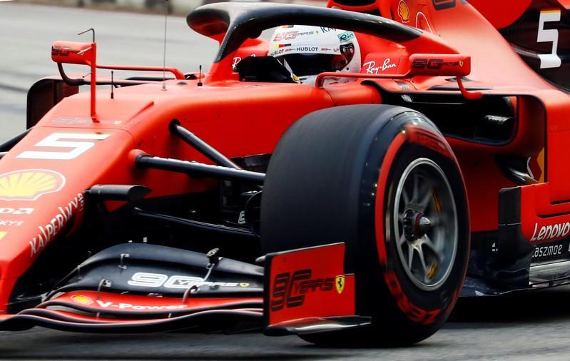 Vettel leads Ferrari's Singapore charge but Mercedes on top