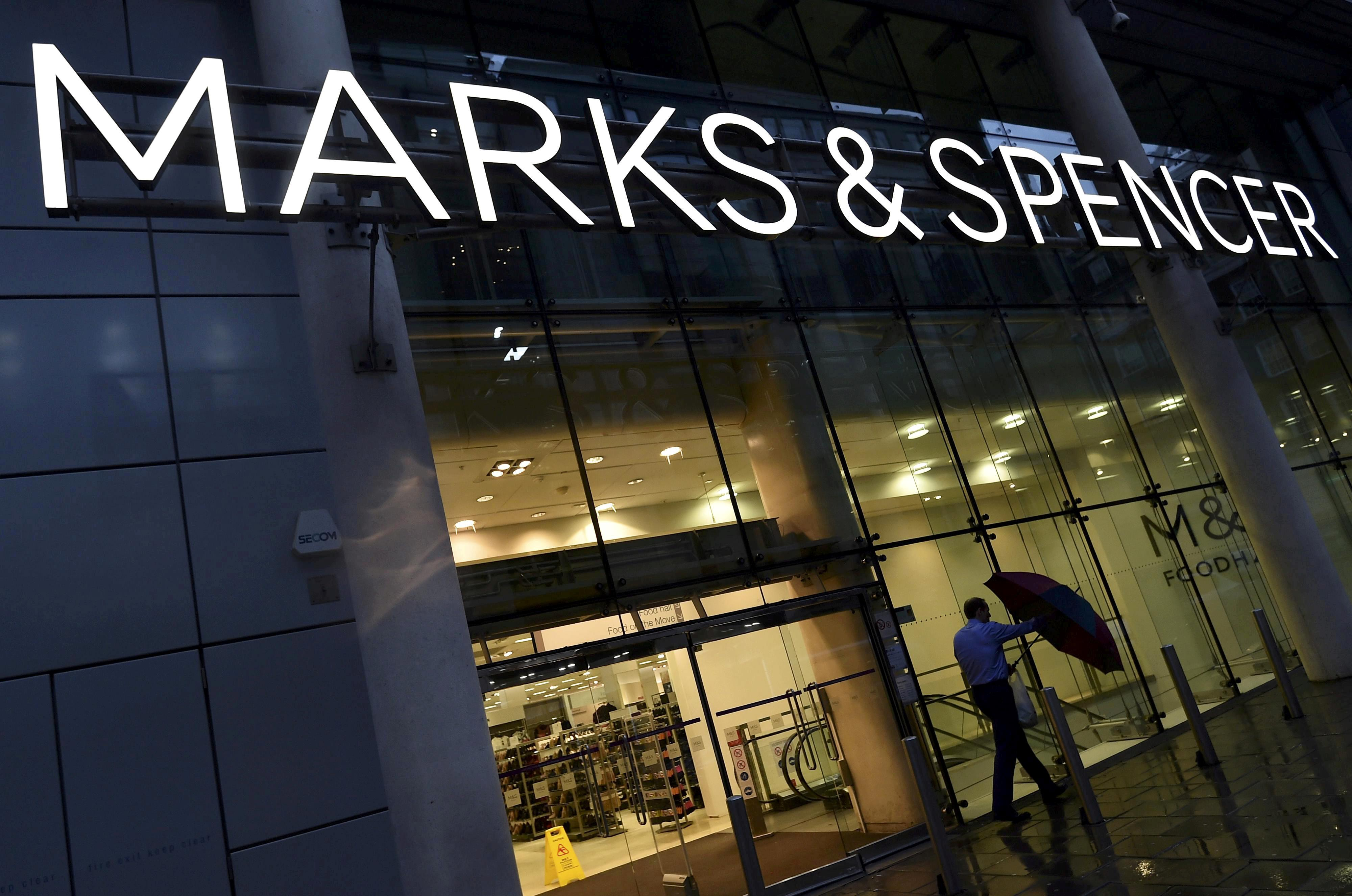 Marks Spencer suffers fresh blow as finance chief quits