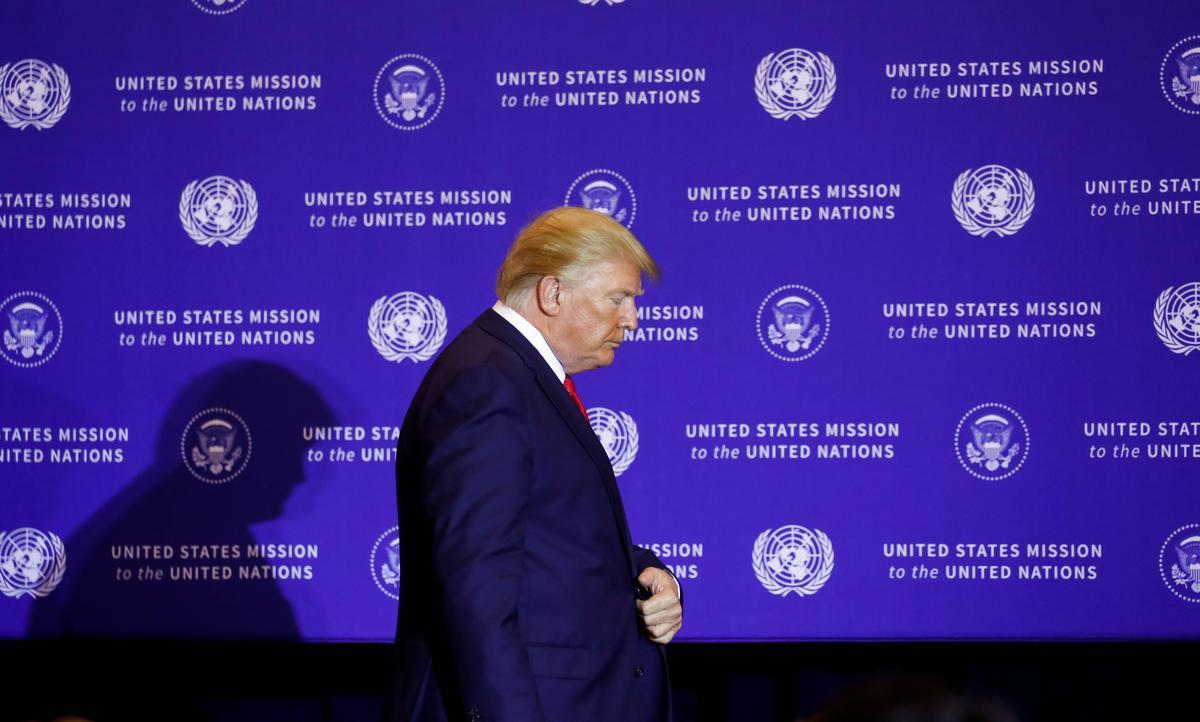 Huis steun die vrylating van Trump-klokkenluider 421-0