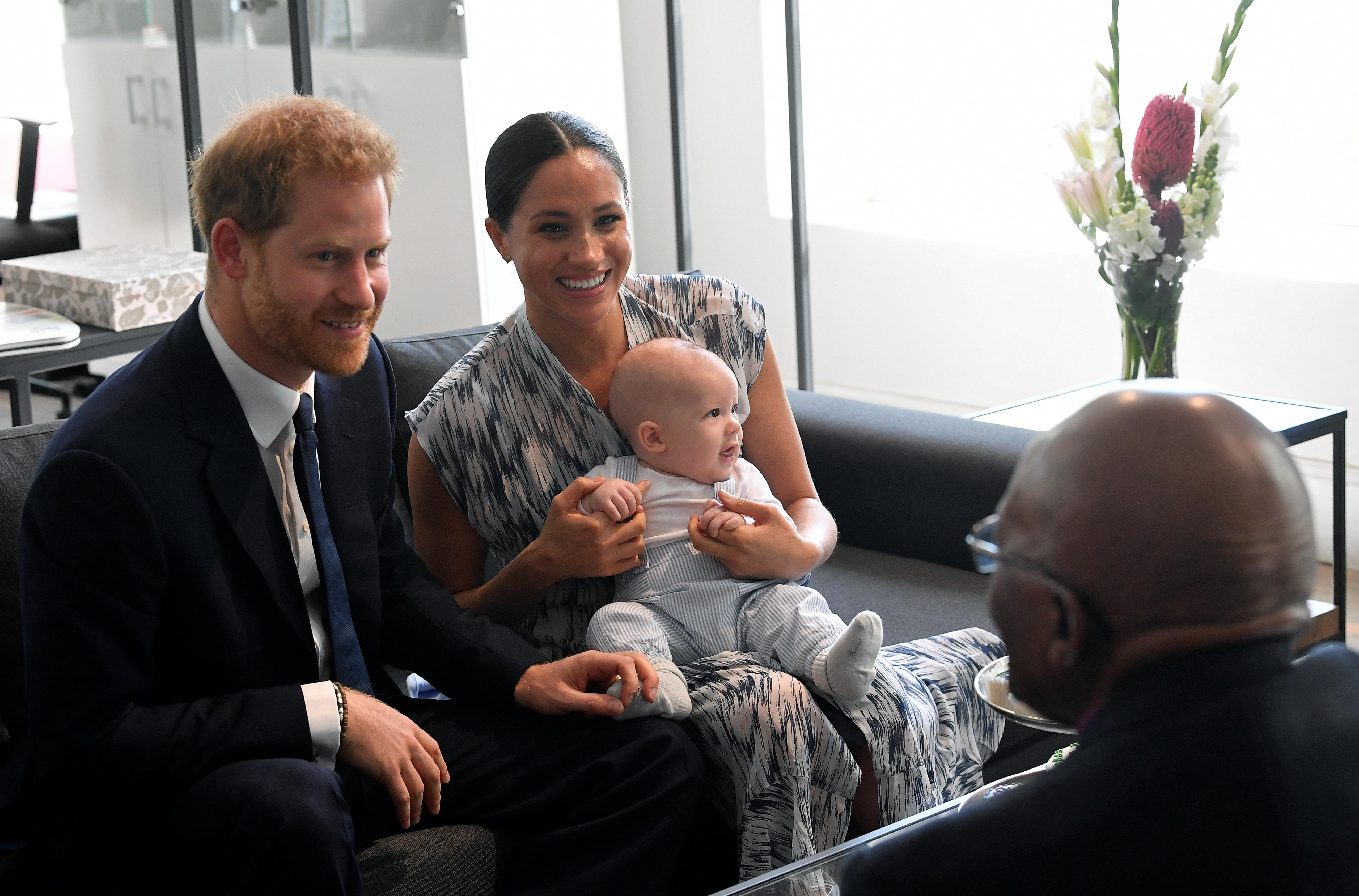Prince Harry travels to Botswana for next leg of Africa tour