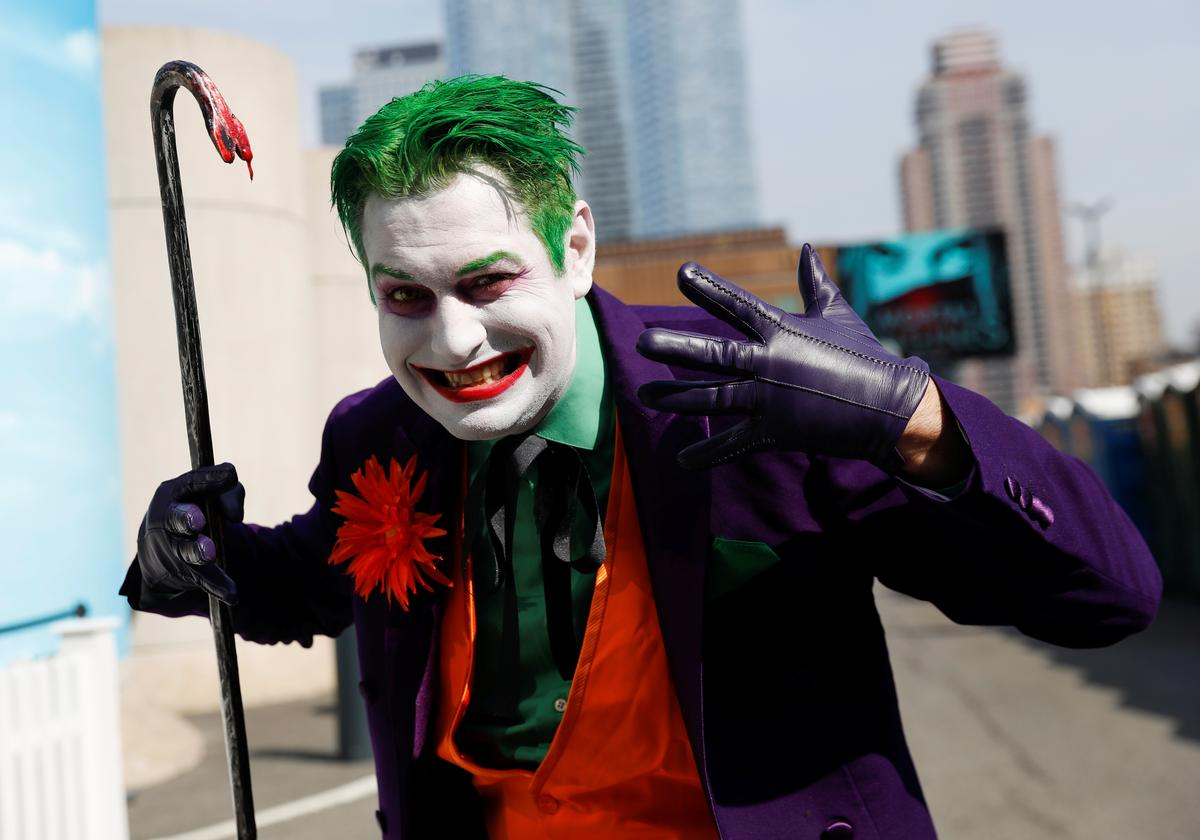 Two U.S. movie theater chains ban masks at screenings of 'Joker'