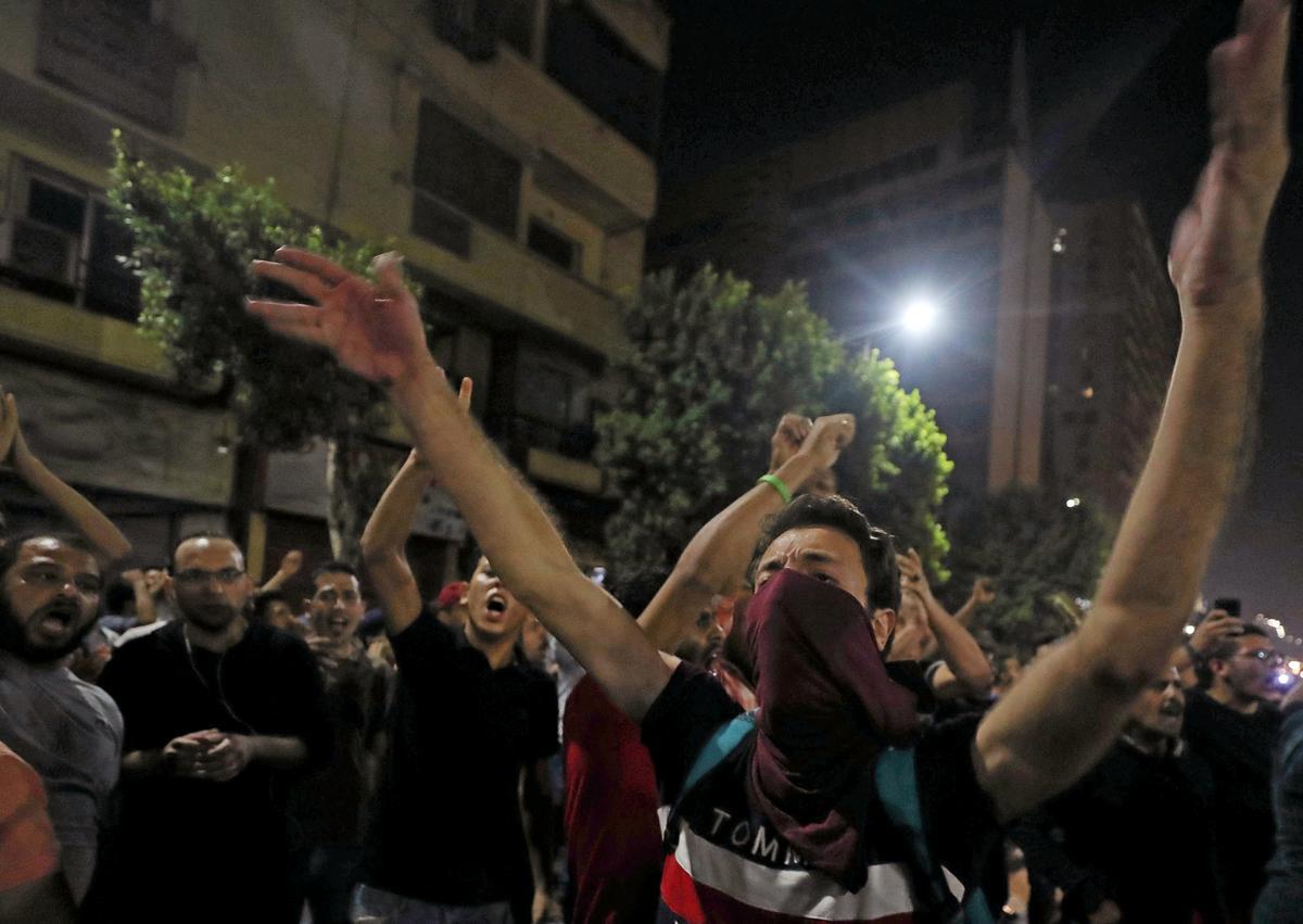 Egipte se veiligheidsmagte beweeg om protes teen Sisi te blokkeer