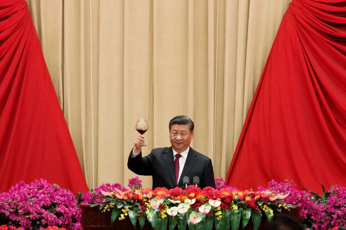 China se Xi sê die land sal op pad bly van vreedsame ontwikkeling
