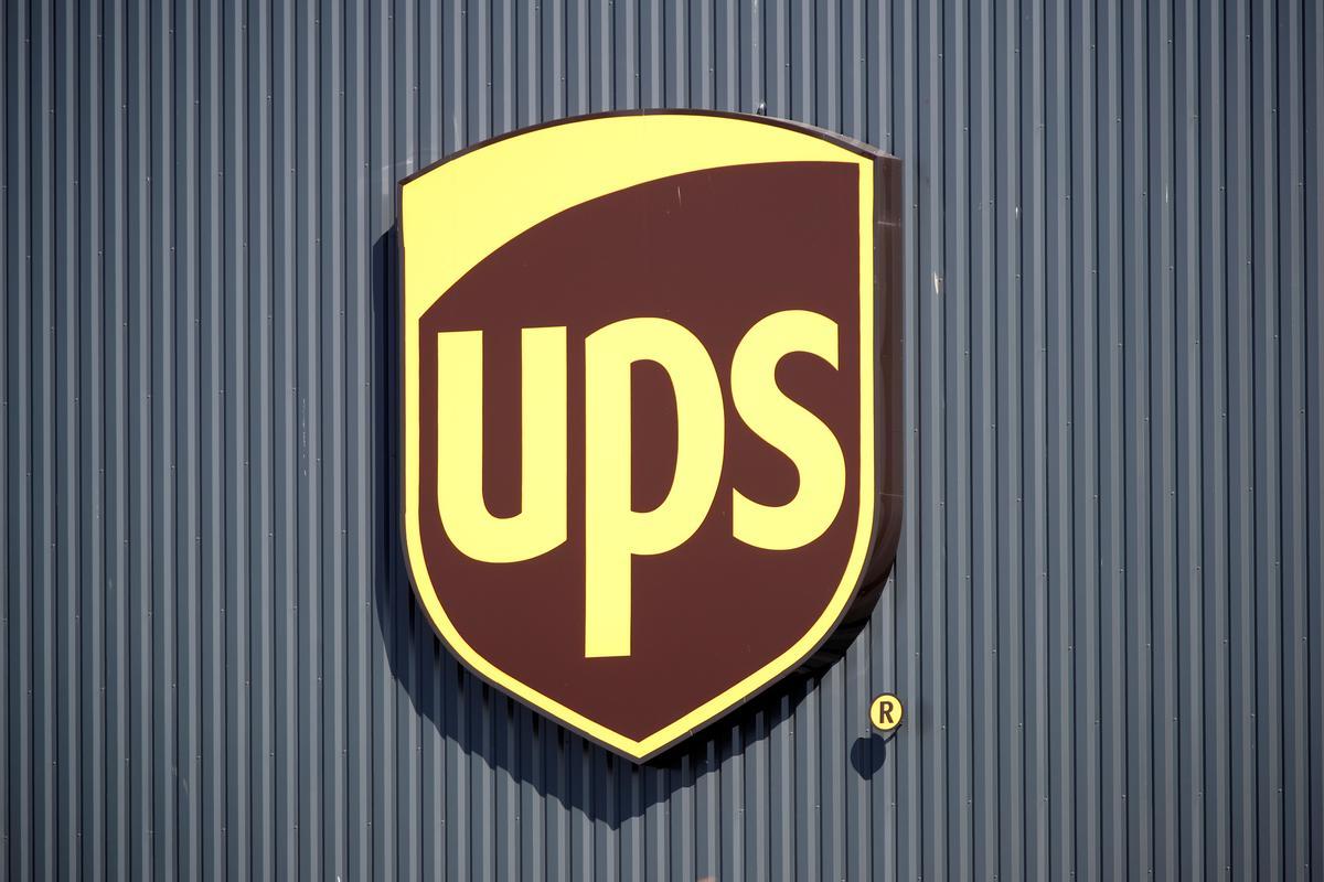 Groot dreun op die kampus: UPS kry die Amerikaanse regering goed vir die lugredery