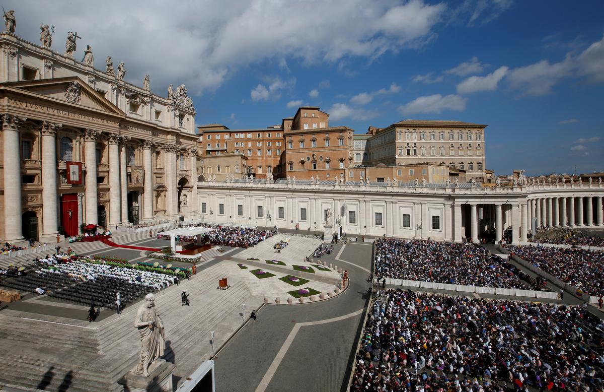 Die polisie in die Vatikaan klop die topkantore aan in finansiële ondersoek