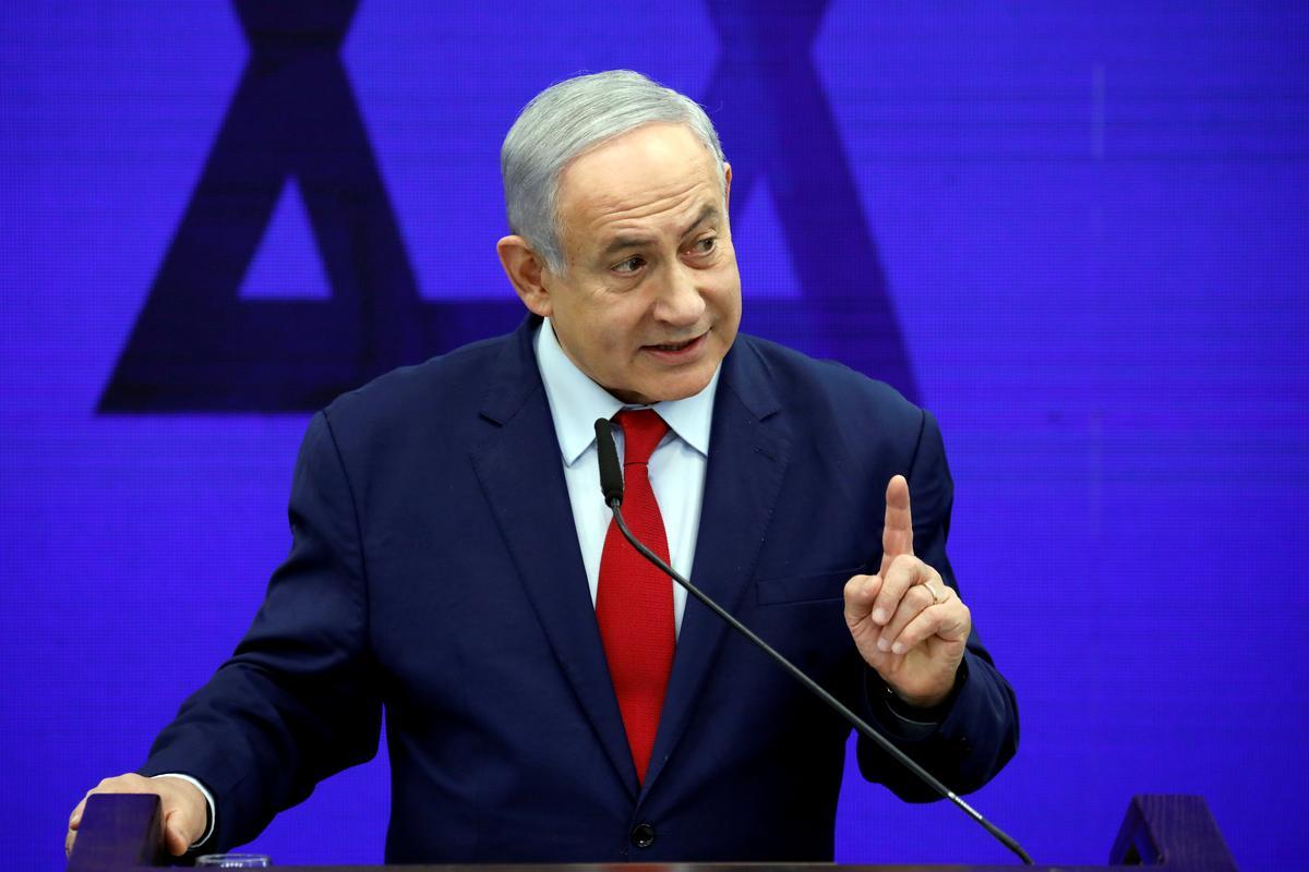 Netanyahu probeer beskuldiging voorkom, terwyl hy veg vir die politieke lewe