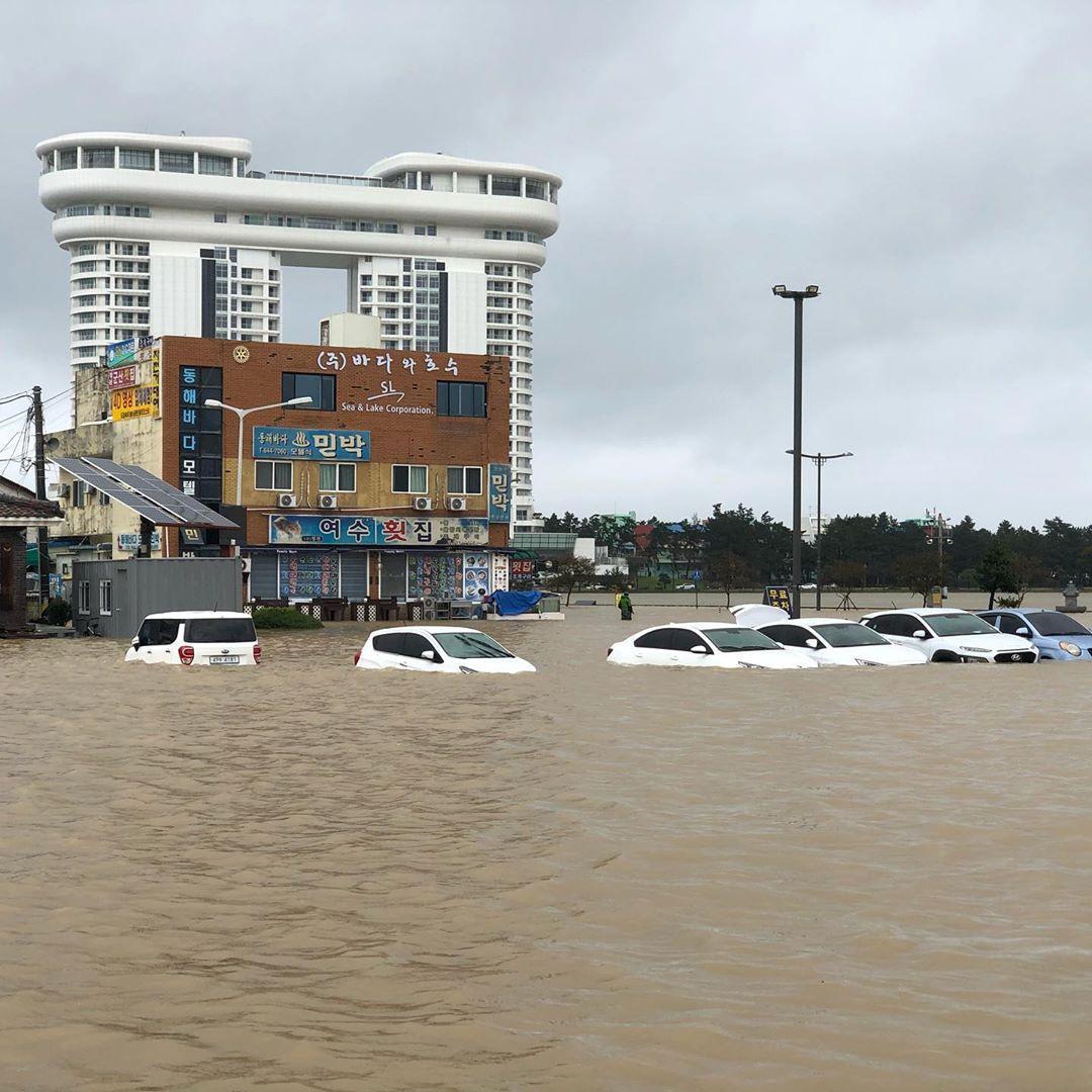 Ses wat dood is as die tifoon Mitag, dele van Suid-Korea vee