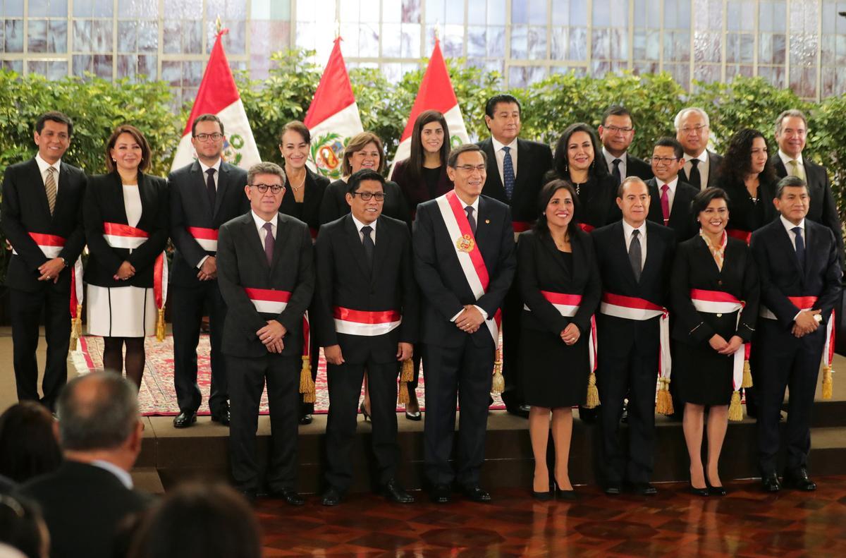 Peru se Vizcarra onthul die nuwe kabinet namate leierskapuitdaging opduik