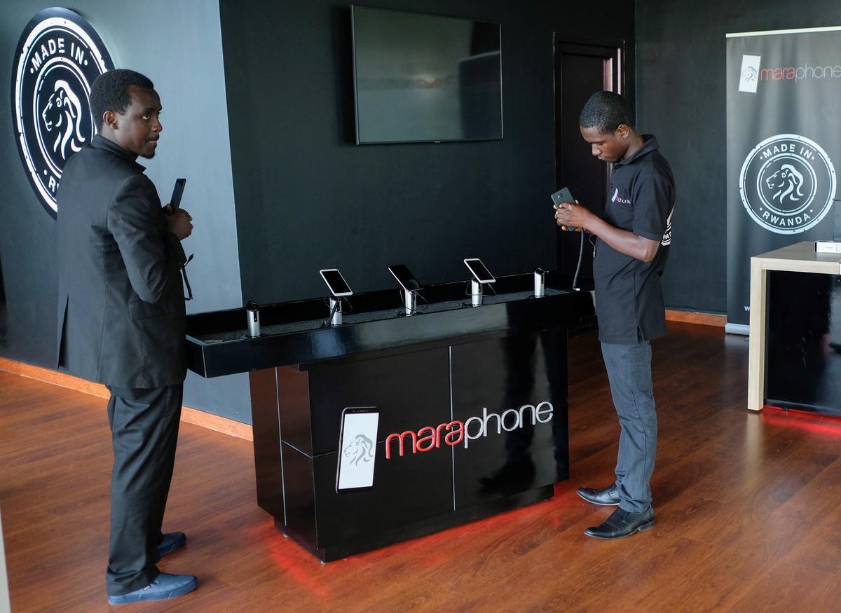 Rwanda stel die eerste 'Made in Africa'-slimfone bekend