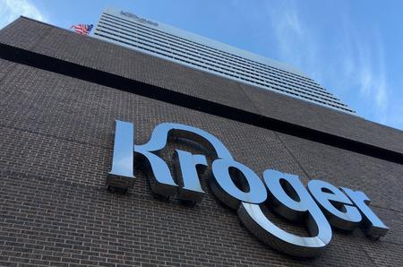 UPDATE 2-Kroger, Walgreens to stop sales of e-cigarettes amid U.S. vaping crackdown