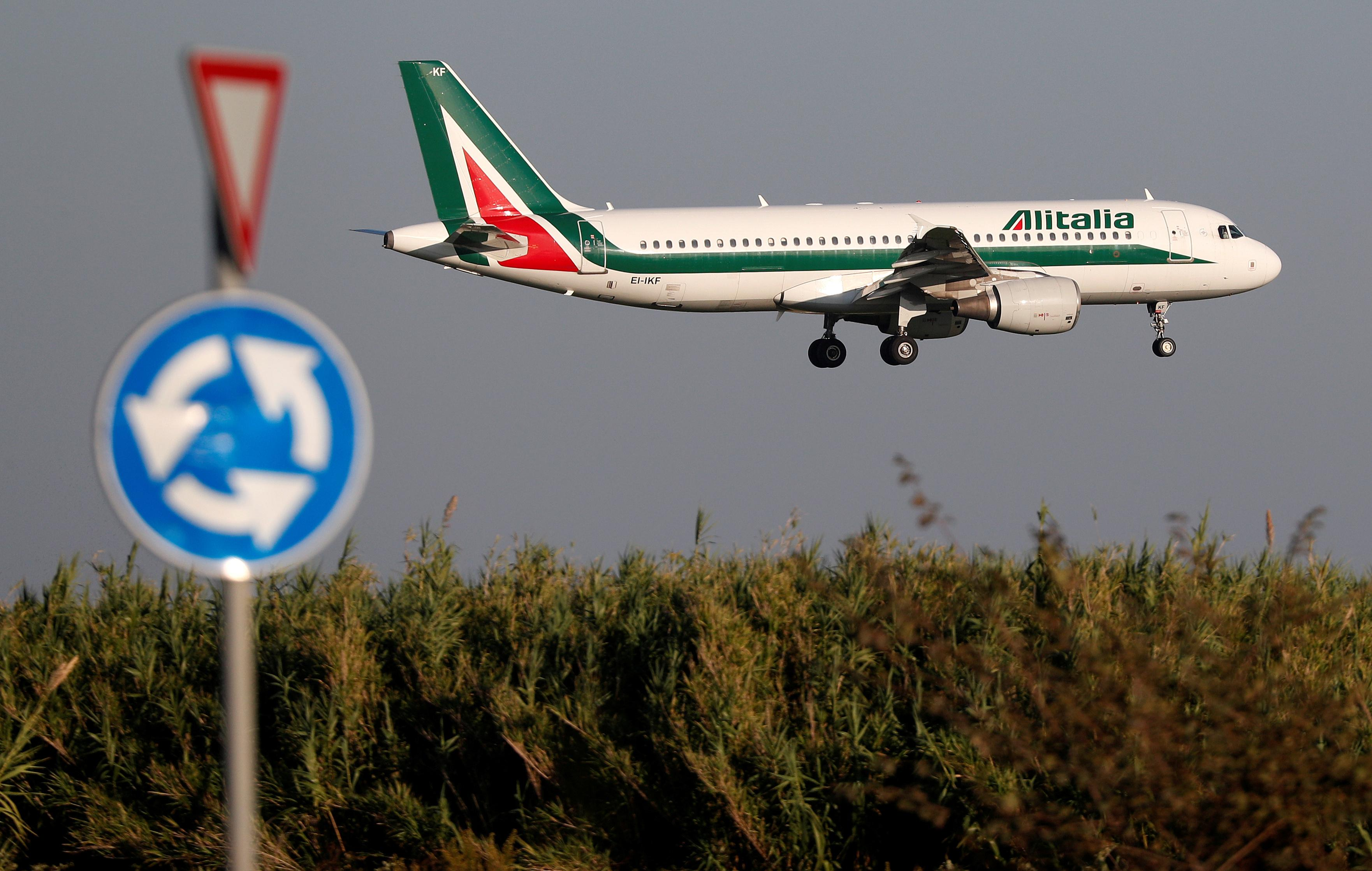 Binding Alitalia offer can be made by October 15 deadline: Italy...