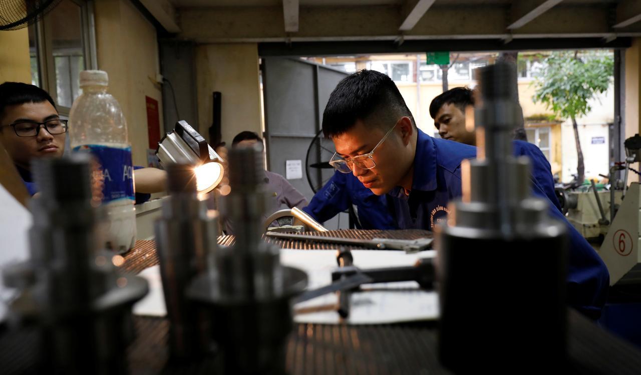 Kết quả hình ảnh cho Choke point: Vietnam skilled labor squeezed by Sino-U.S. trade war