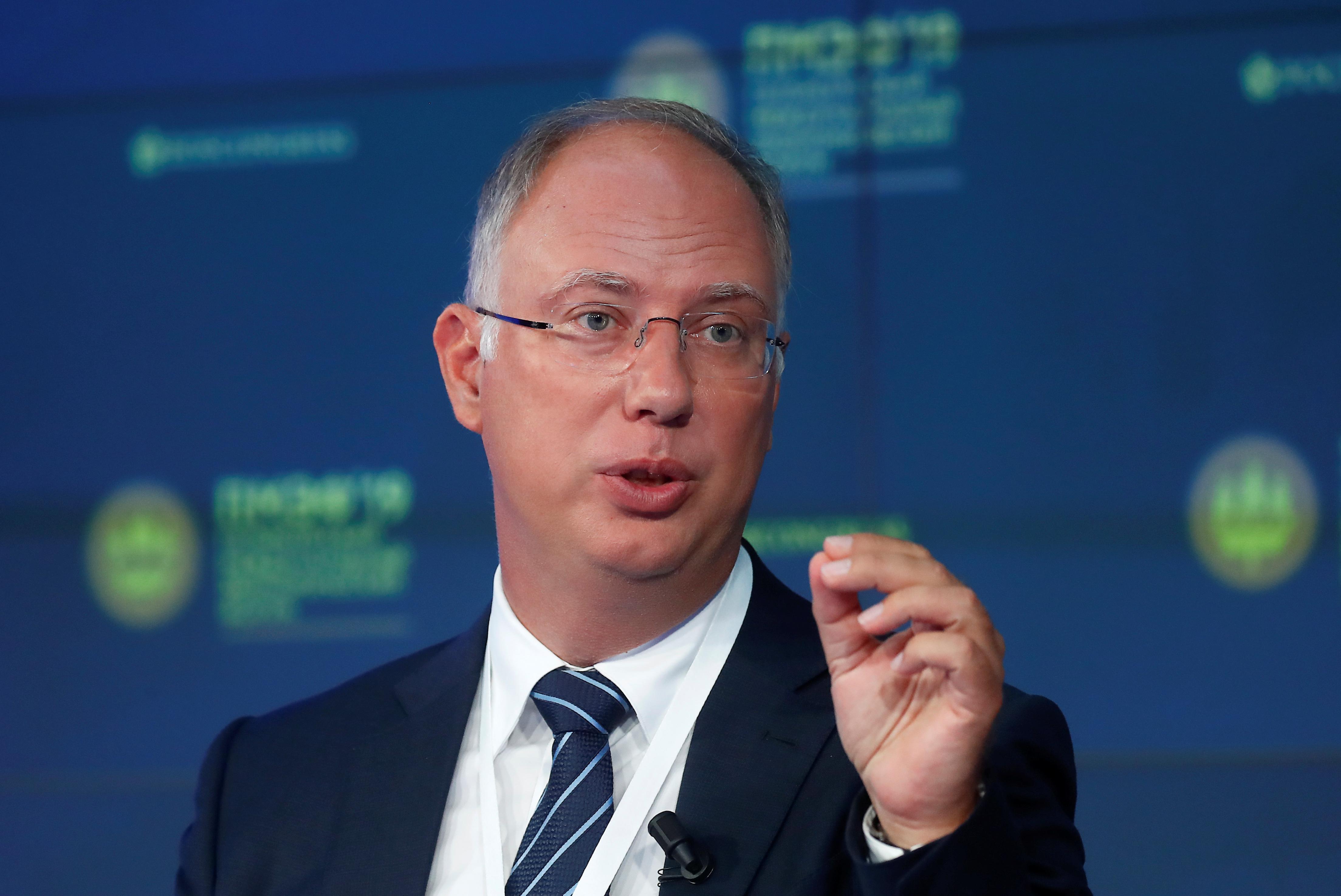 Russian investors eyeing Saudi Aramco listing - wealth fund chief
