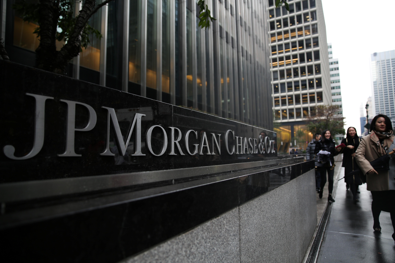 Banks reap $1 billion from U.S. mortgage bond trading boom