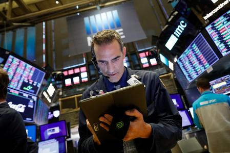 Wall Street rises on earnings, geopolitical encouragement