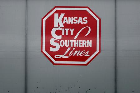 UPDATE 3-Kansas City Southern profit beats, signals strength in fourth quarter