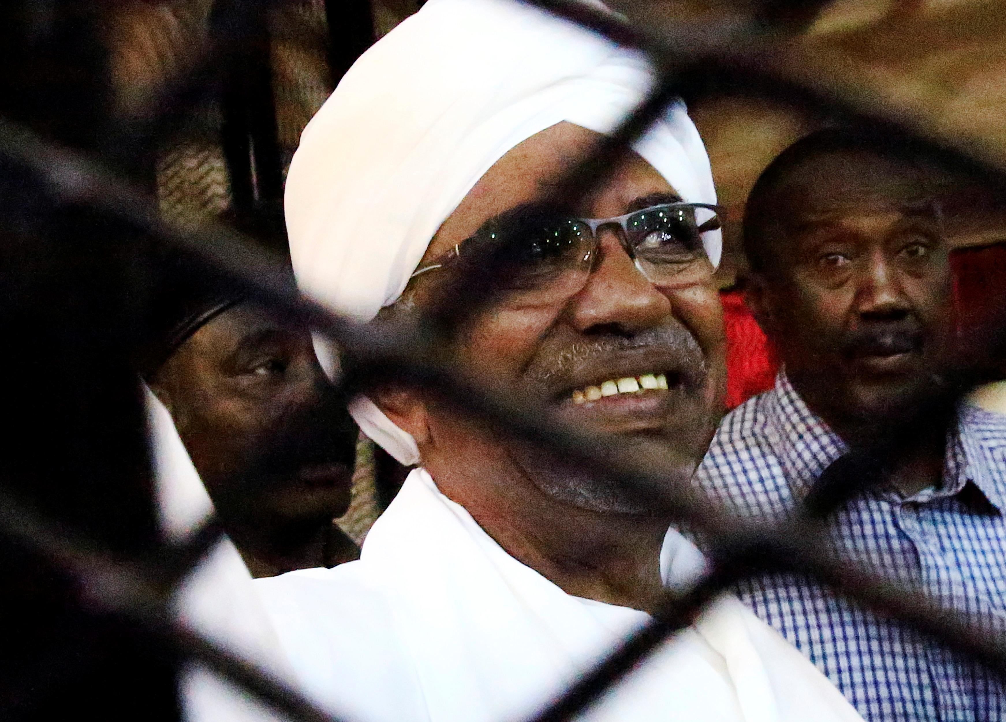 Tens of thousands rally against former ruling party in Sudan