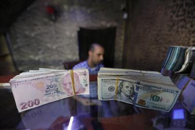 〔焦点〕トルコのシリア軍事作戦、通貨リラが行方を左右