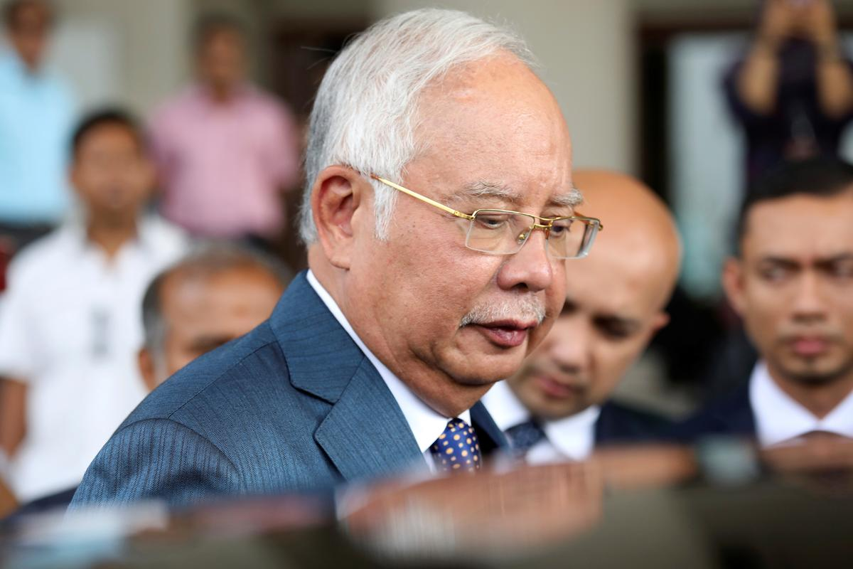 Malaysian prosecutor: Najib orchestrated graft like an 'emperor'