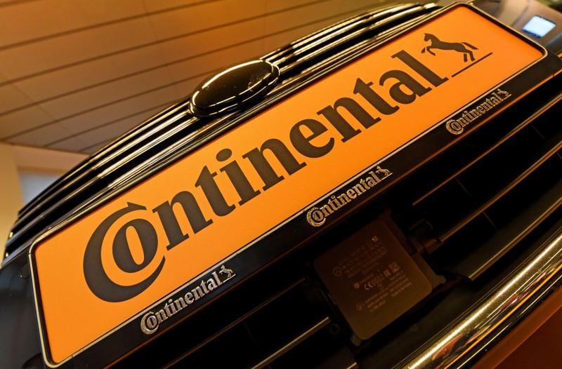 Continental flags slowing autos growth, to spin off powertrains