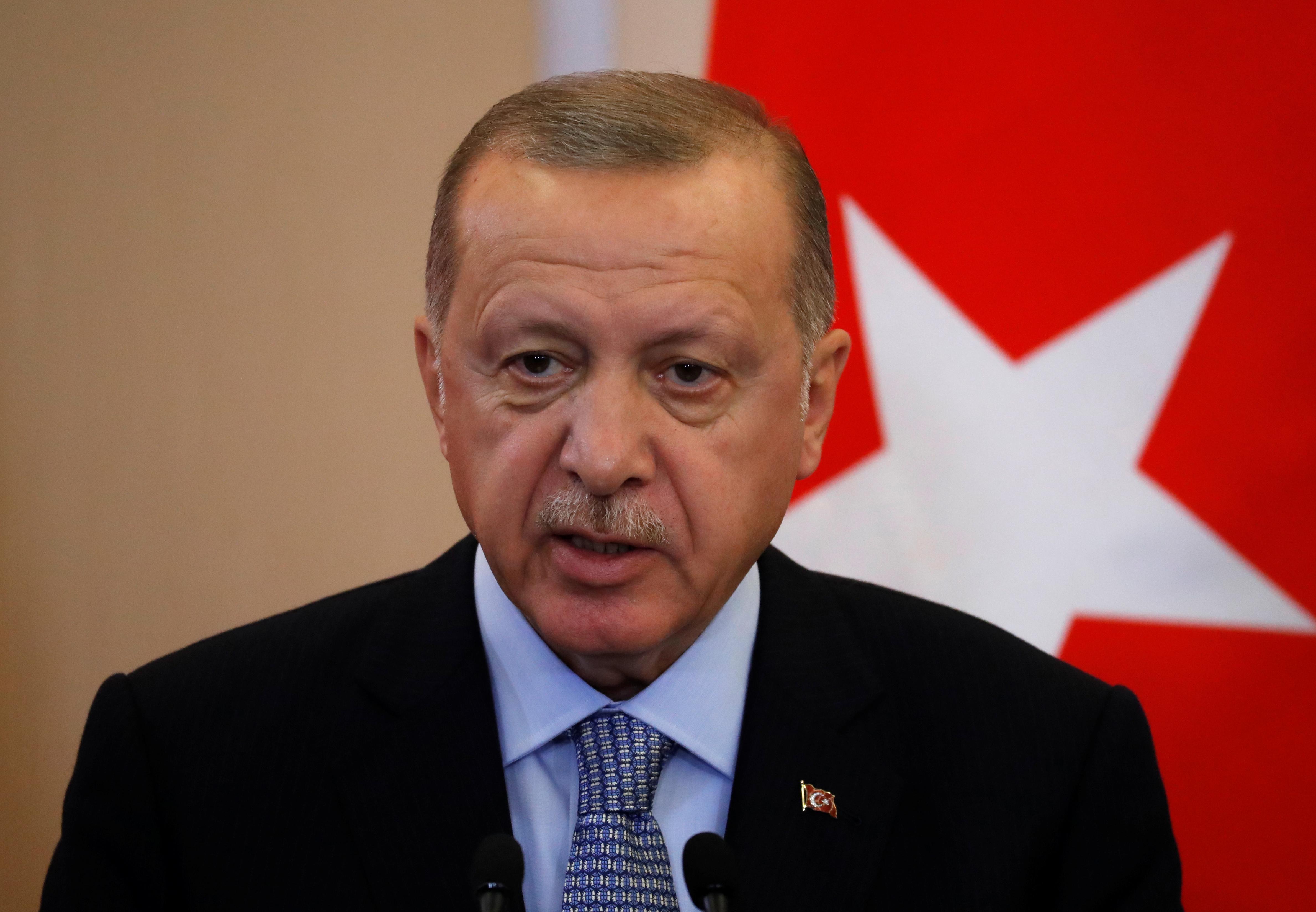 Erdogan: YPG will not stay in Syria border region in 'regime clothes'