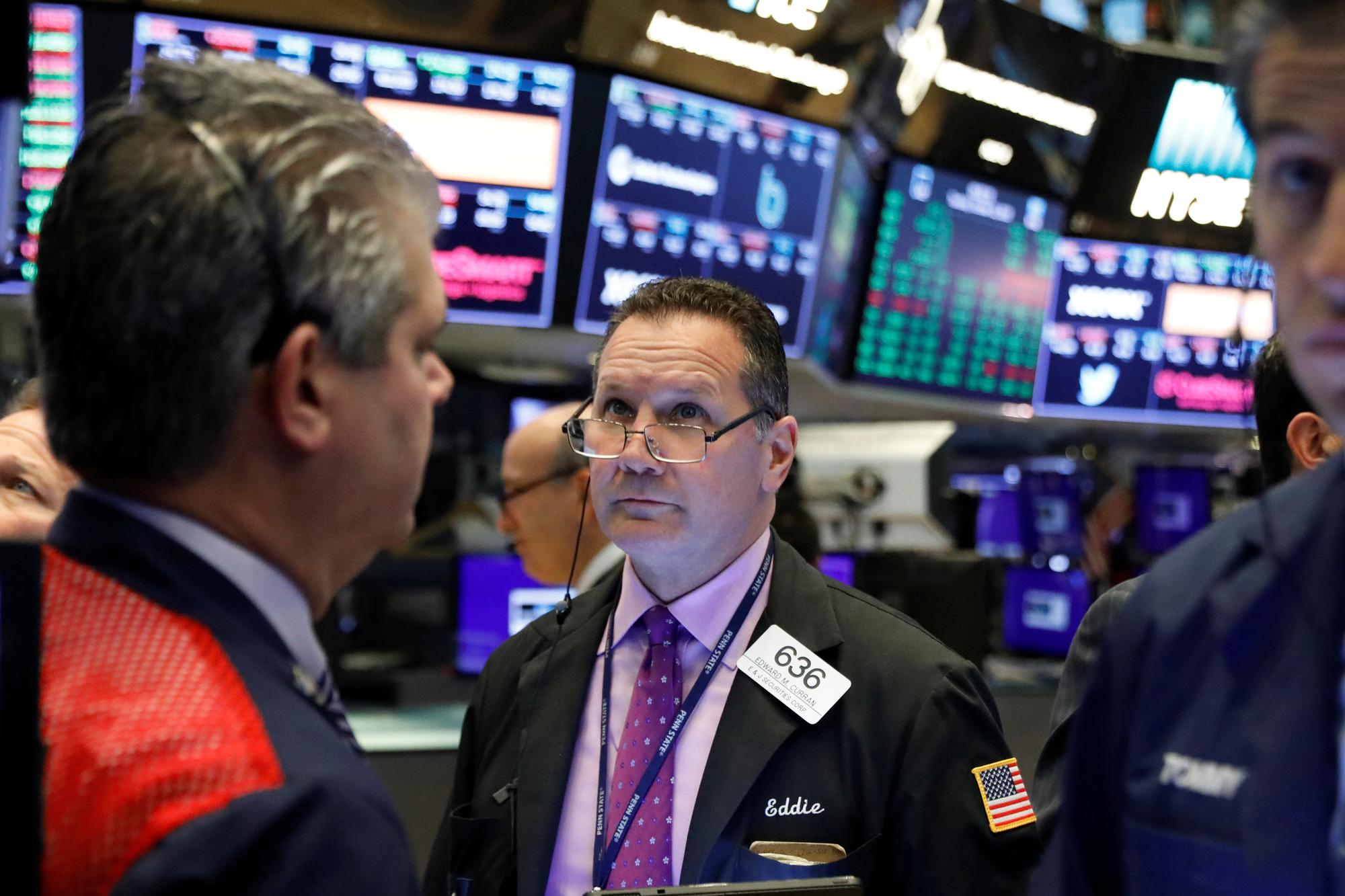 Wall Street mixed after earnings reports; 3M weighs on Dow