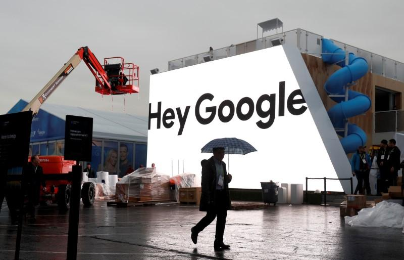Google's search for sales in cloud, hardware clip Alphabet profit