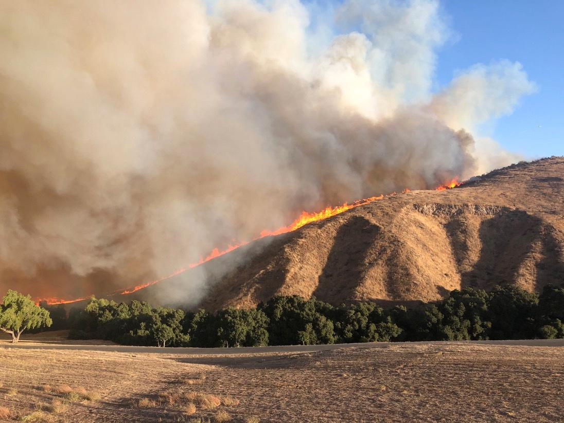 Desert winds fuel twin wildfires around Los Angeles