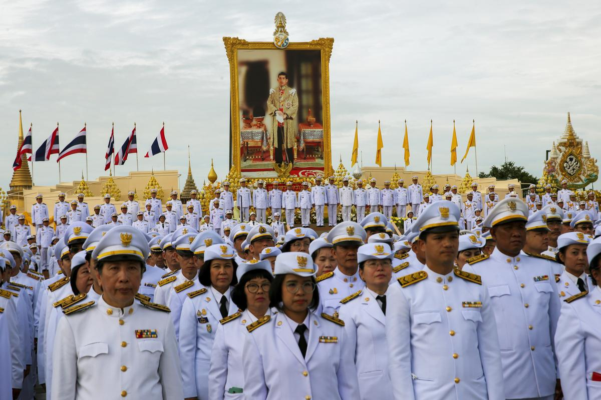Thai king creates boot camp-style 'unity' courses