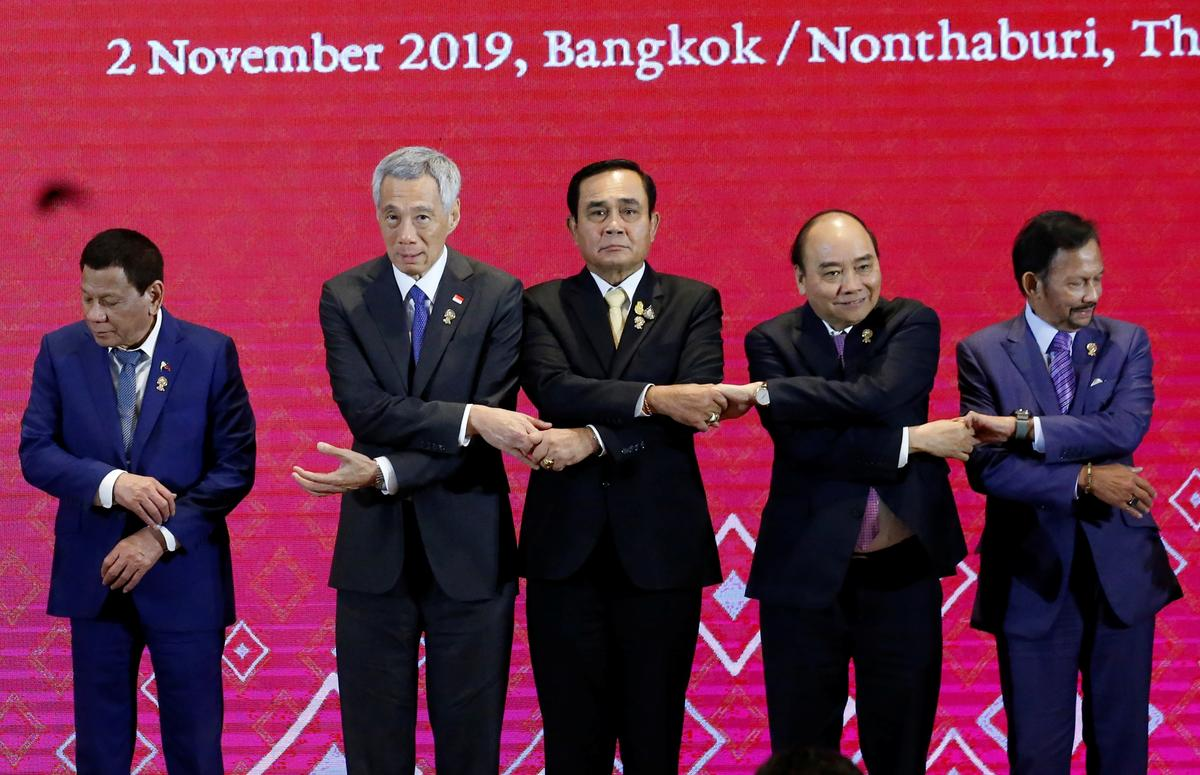 Southeast Asian leaders meet FIFA chief amid World Cup express talks thumbnail