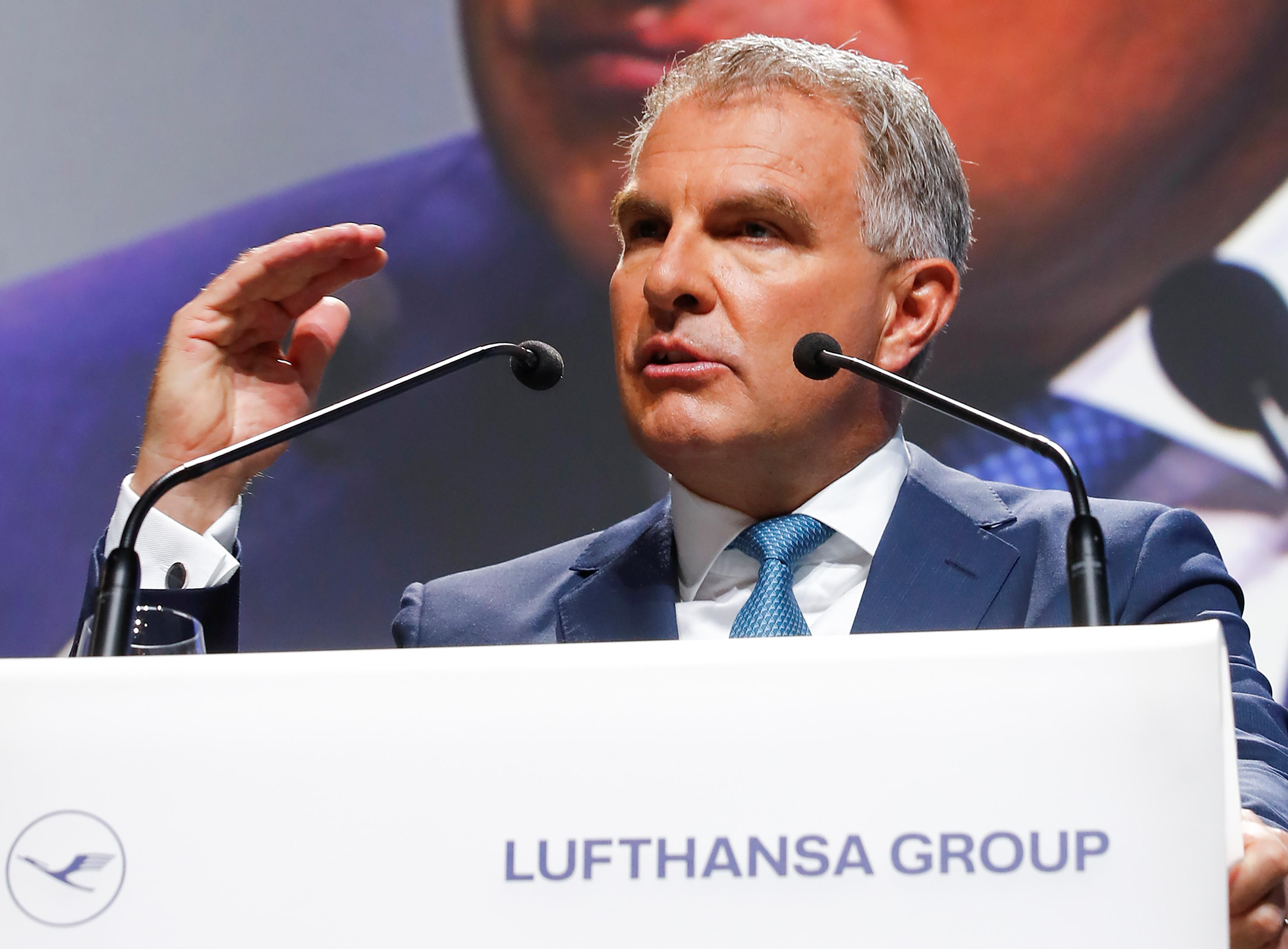 Lufthansa only interested in 'restructured' Alitalia: CEO
