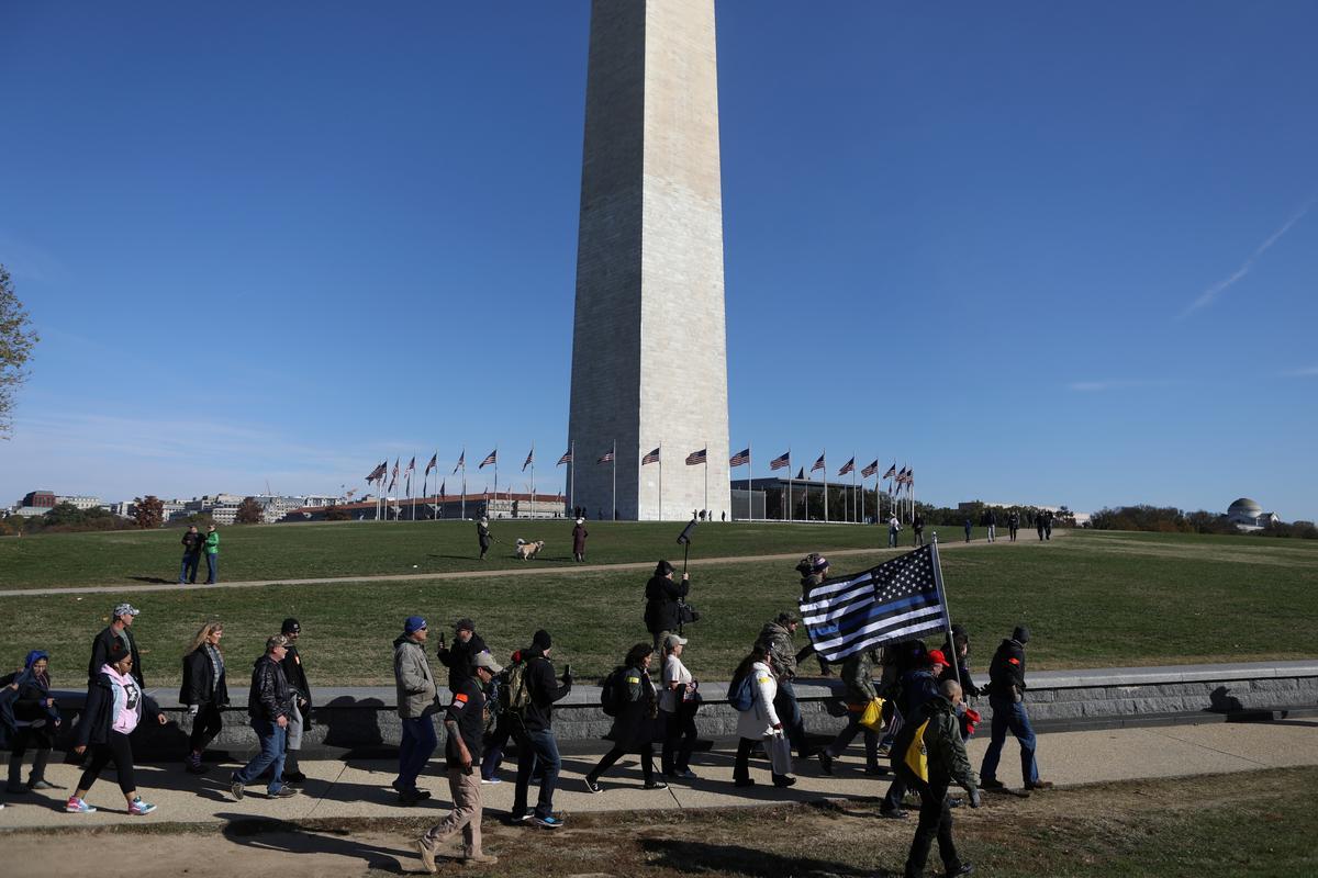 Dân quân, các nhà hoạt động bảo thủ tập hợp ở Washington