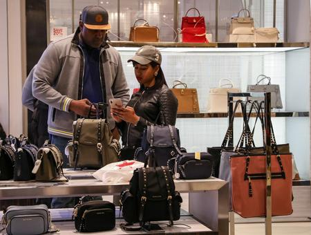 U.S. retail sales rebound, but big-ticket purchases drop