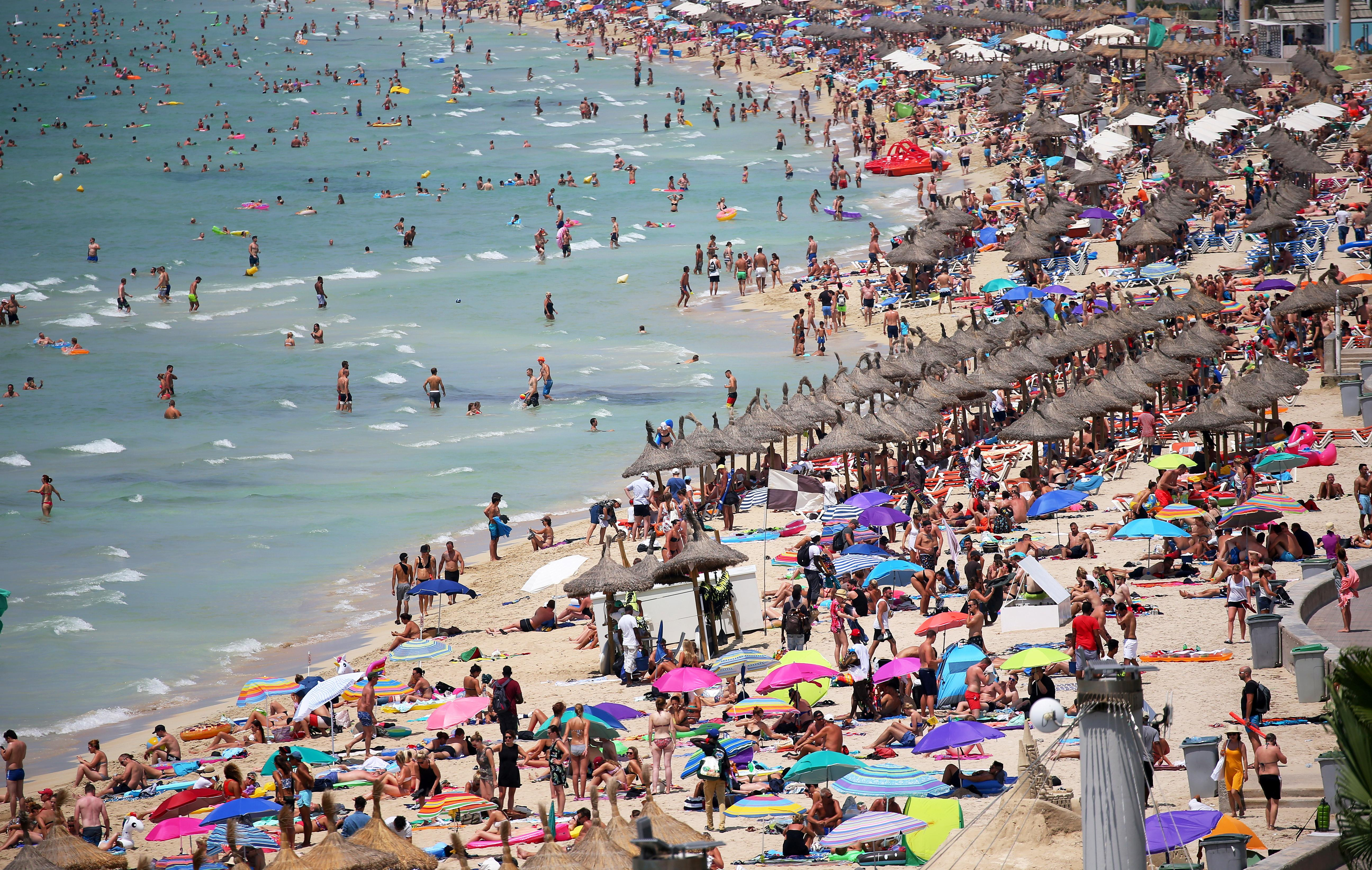 Spain set for tourism record as U.S. visitors counter Brexit blues