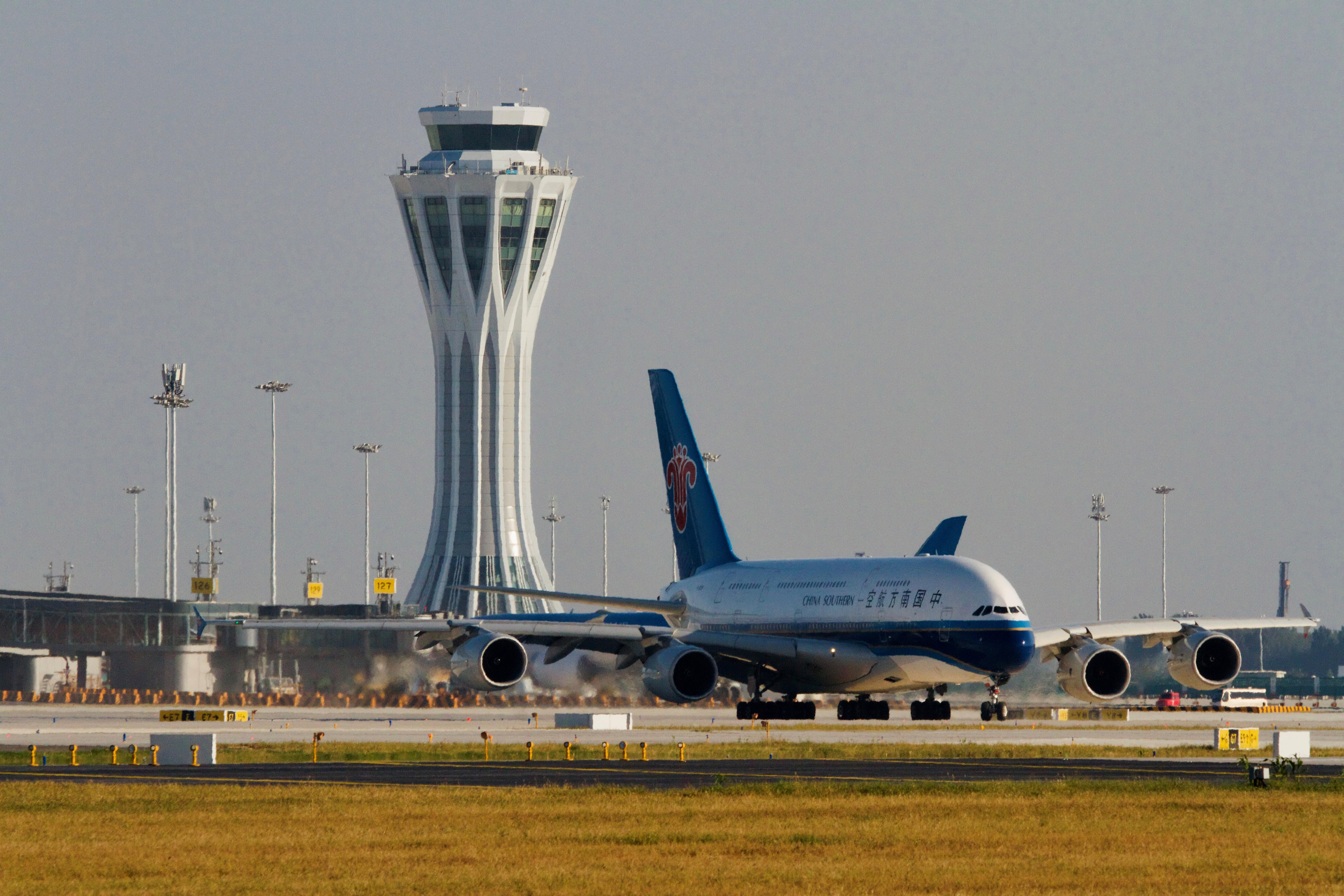 Chinese airlines turn to Asia as long-haul losses pile up