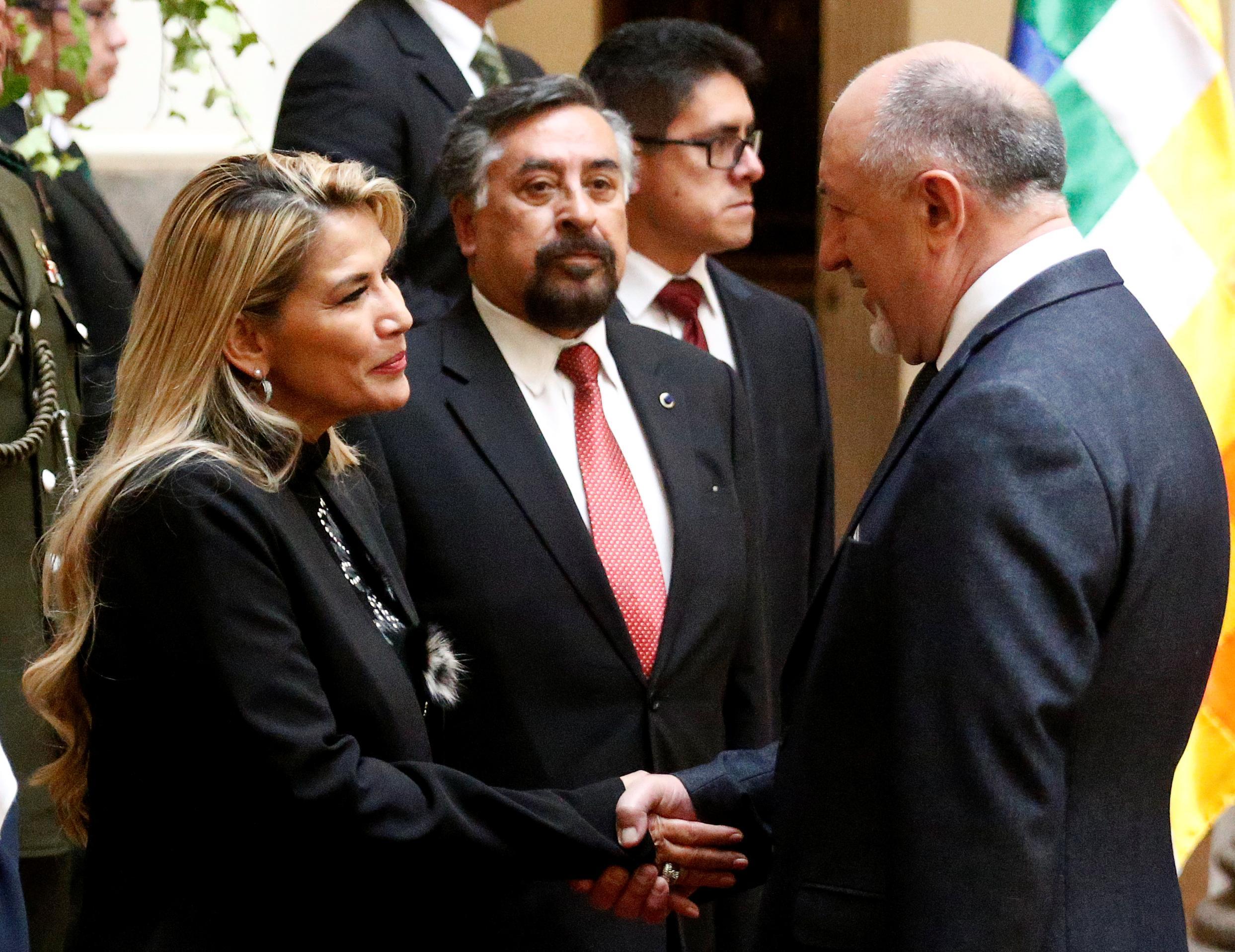 Les procureurs boliviens interrogent Morales sur des accusations qu'il a encouragées à provoquer des troubles