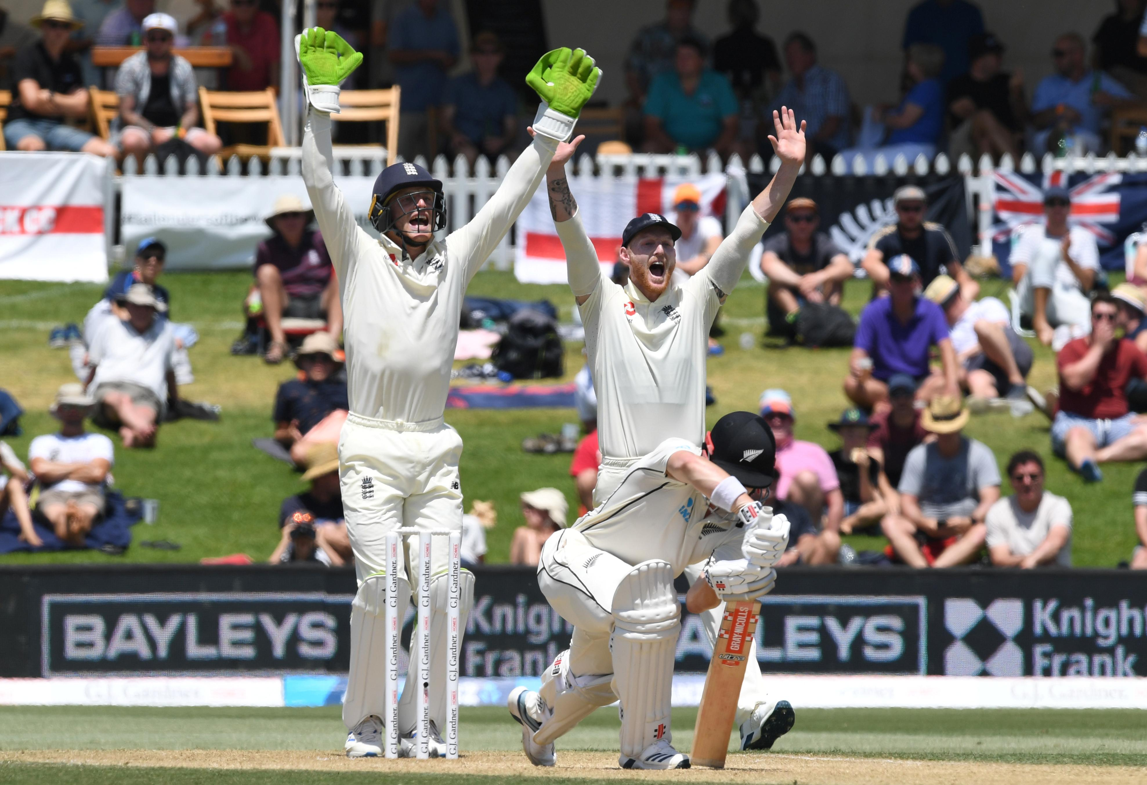 Root breaks partnership as New Zealand reach 224-5 at lunch in...