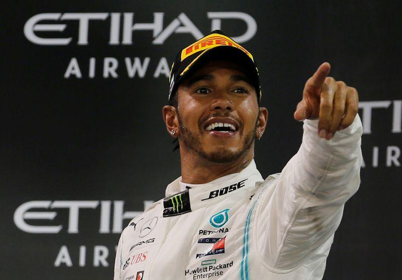Hamilton not ruling out a Ferrari switch