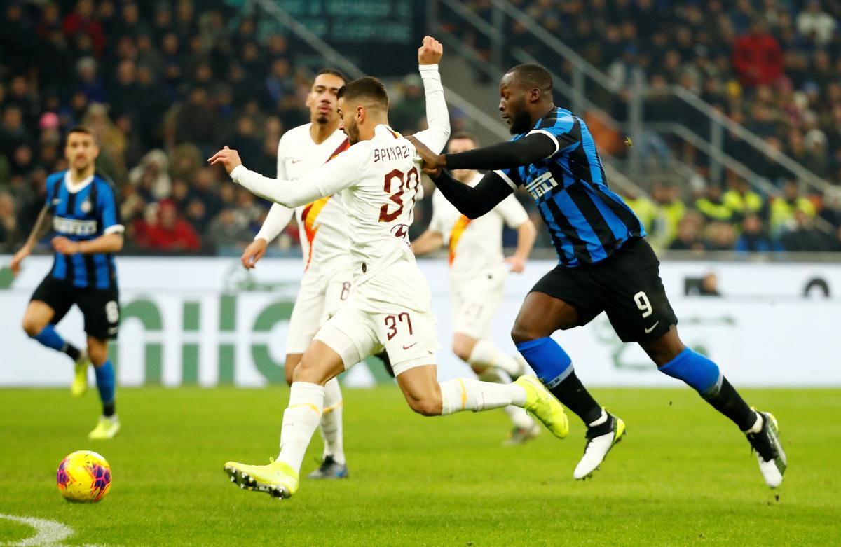 Inter fail to capitalise on Roma mistakes in 0-0 draw