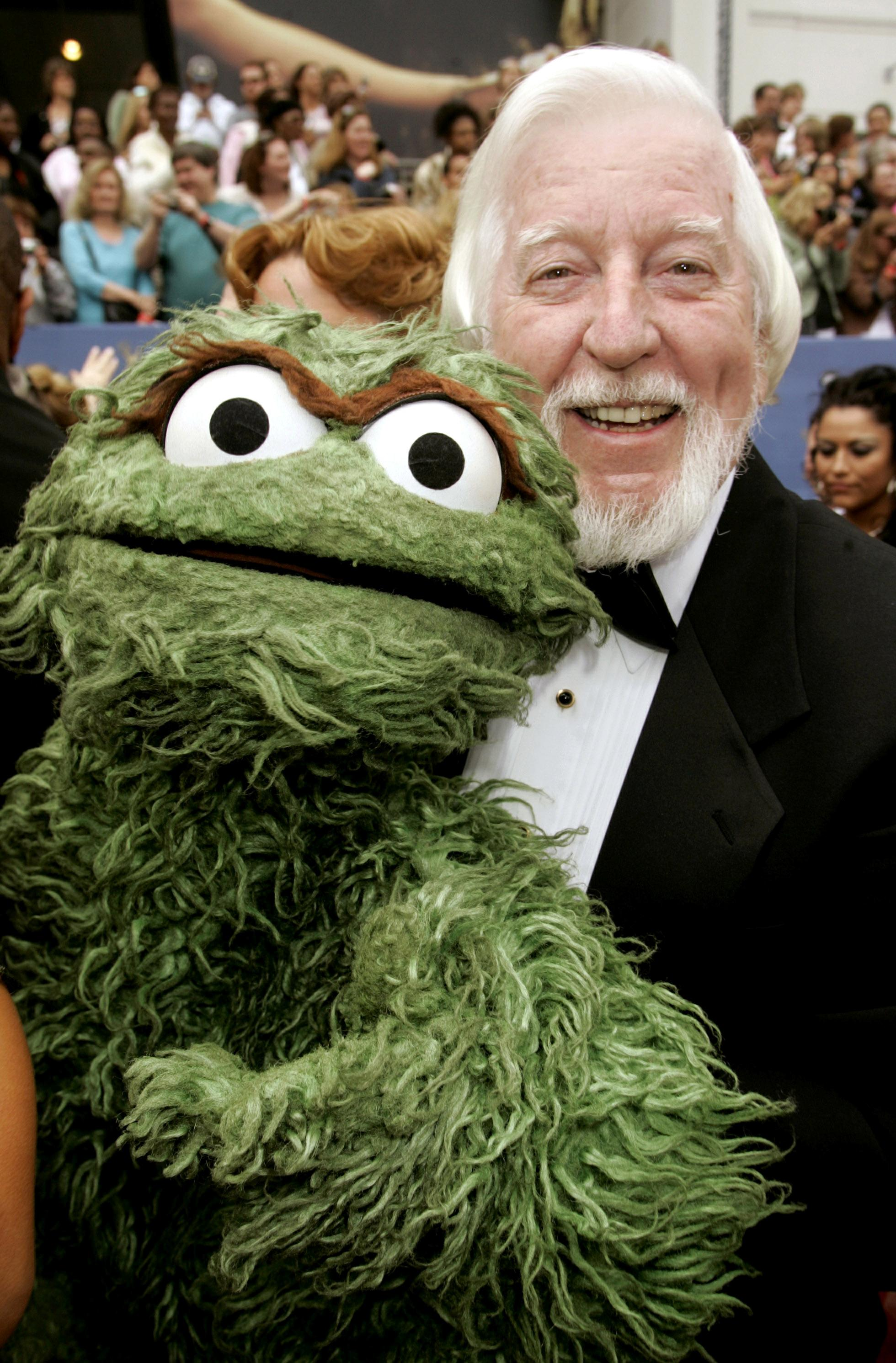 Puppeteer Who Performed Sesame Street S Big Bird Oscar