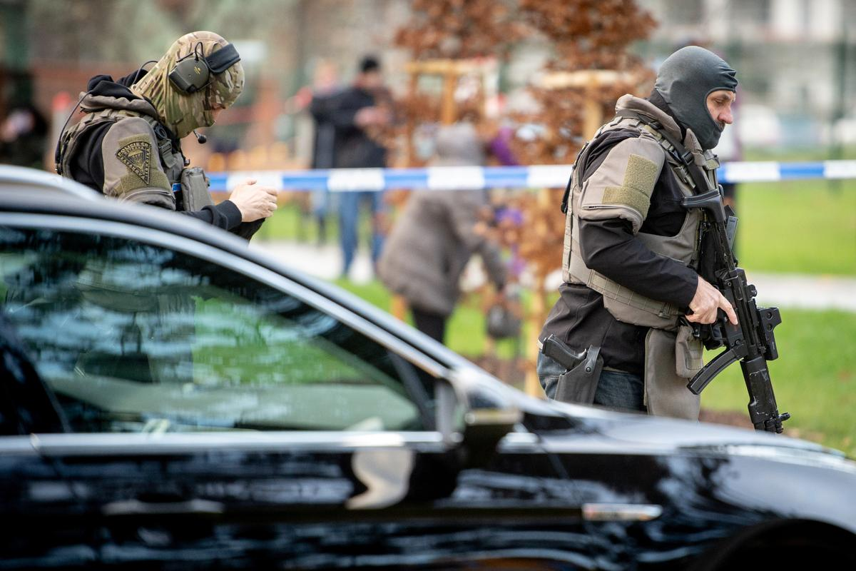 Six shot dead in Czech hospital