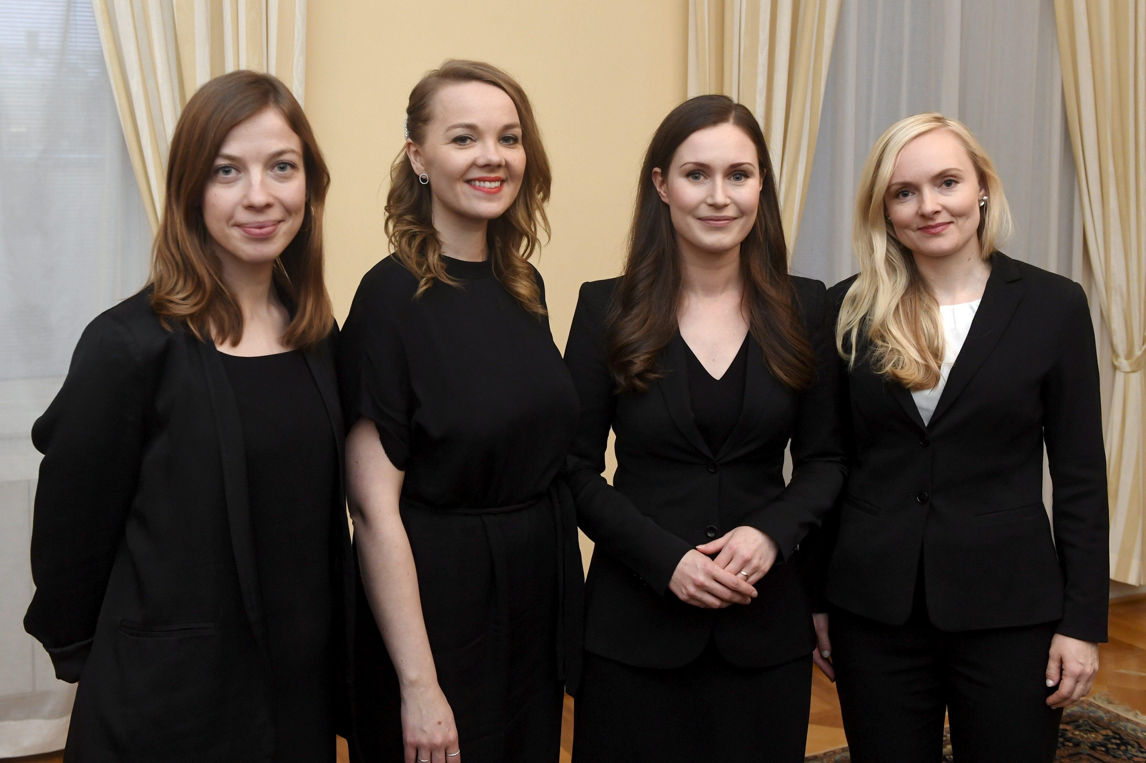 Le jeune Premier ministre finlandais promet la stabilité et continuera de publier sur Instagram