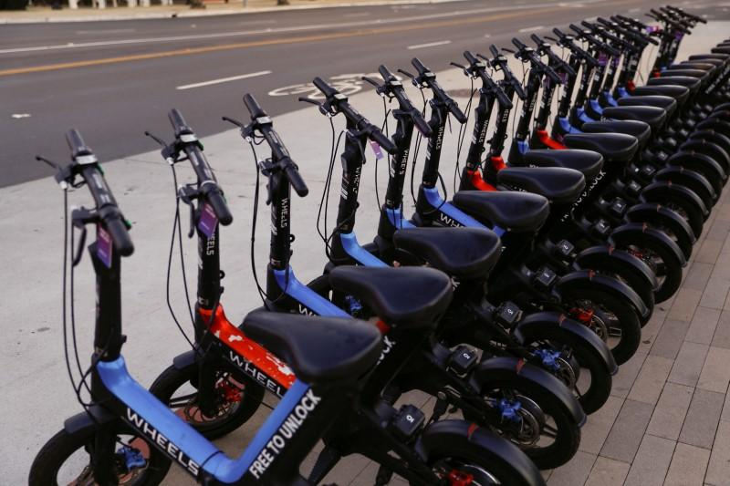 Bike-sharing company Wheels offers shareable helmet to cut injuries