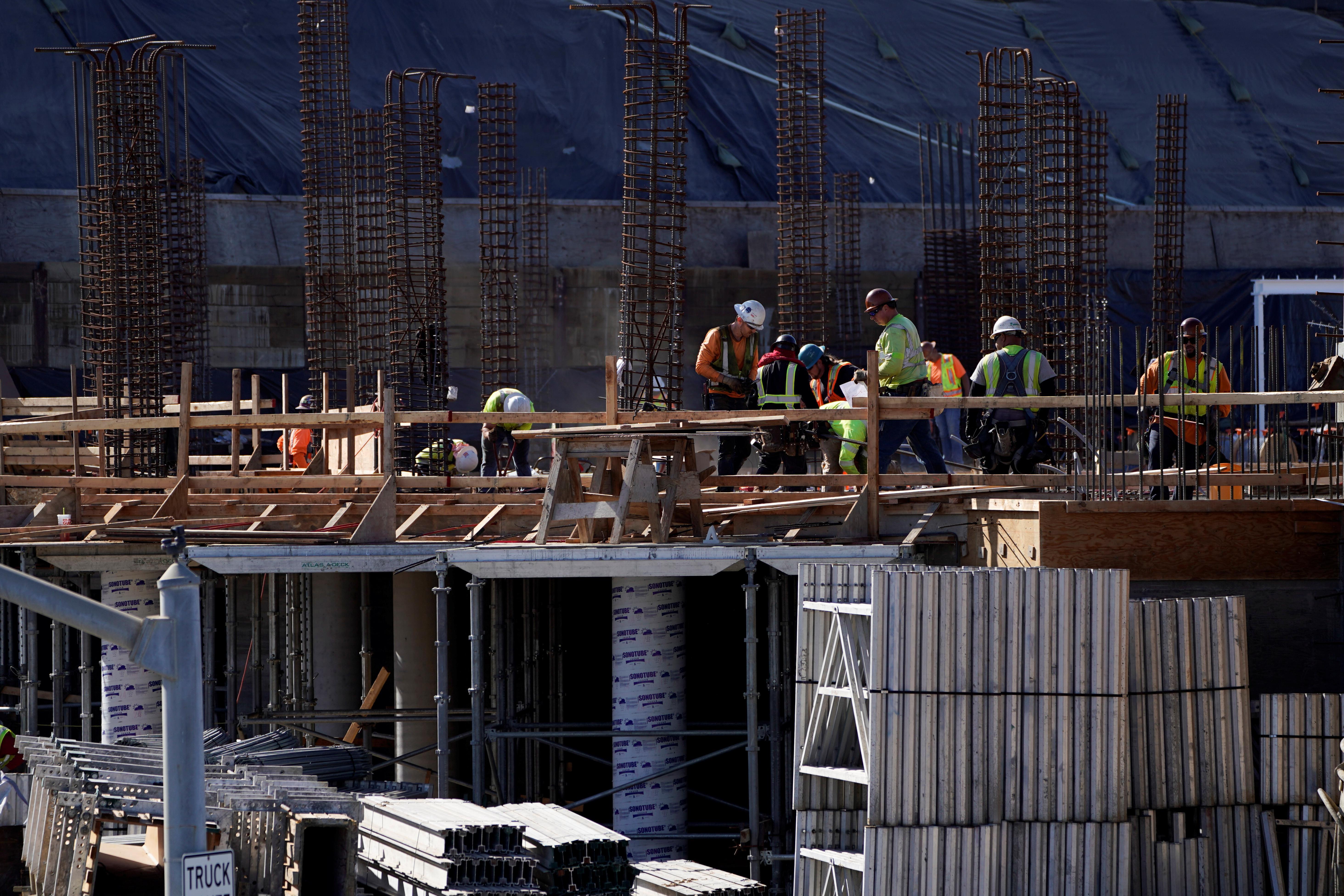 U.S. third-quarter labor cost growth cut; productivity soft