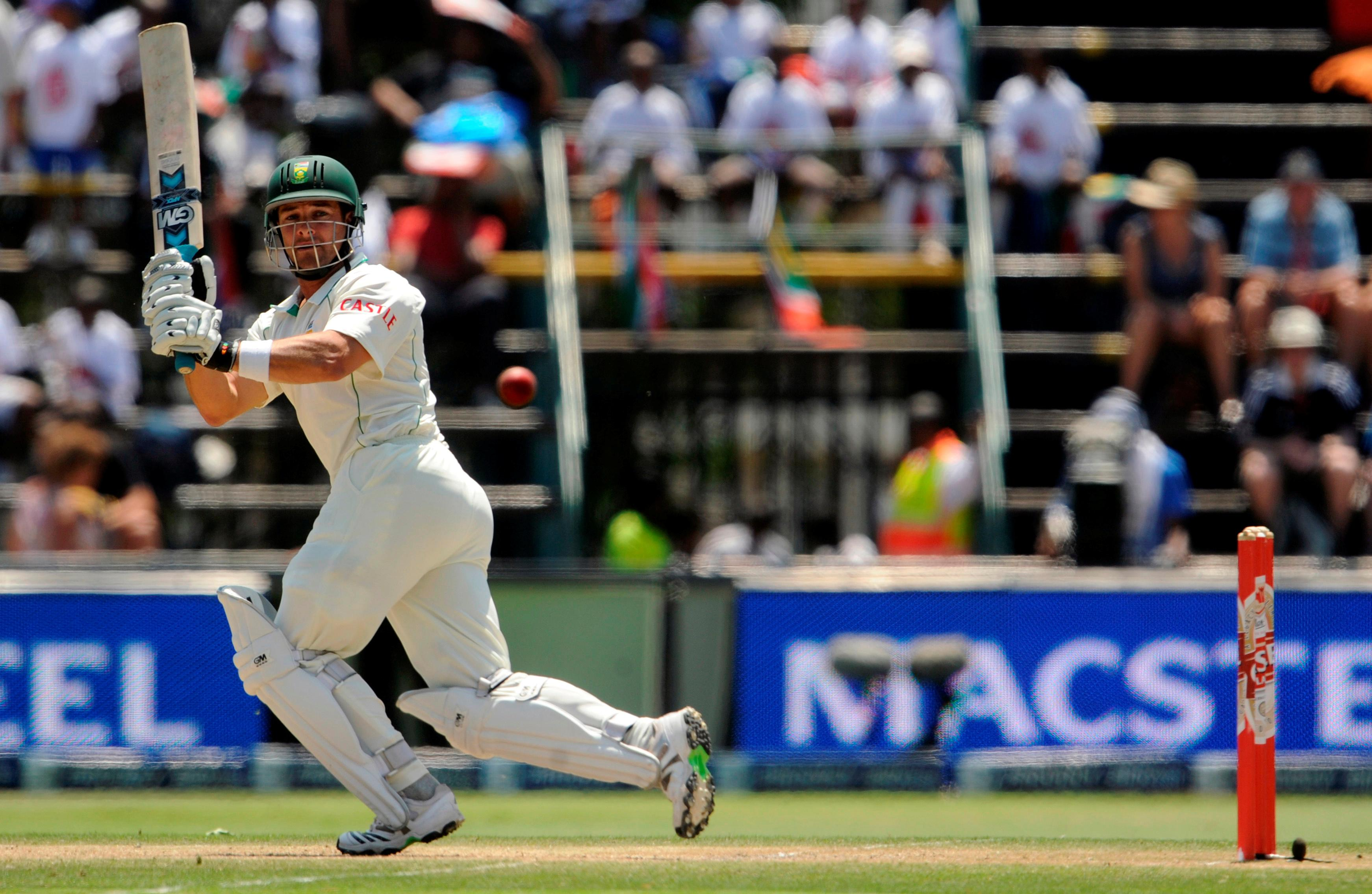 South Africa's Boucher warns England: 'Beware a wounded buffalo'