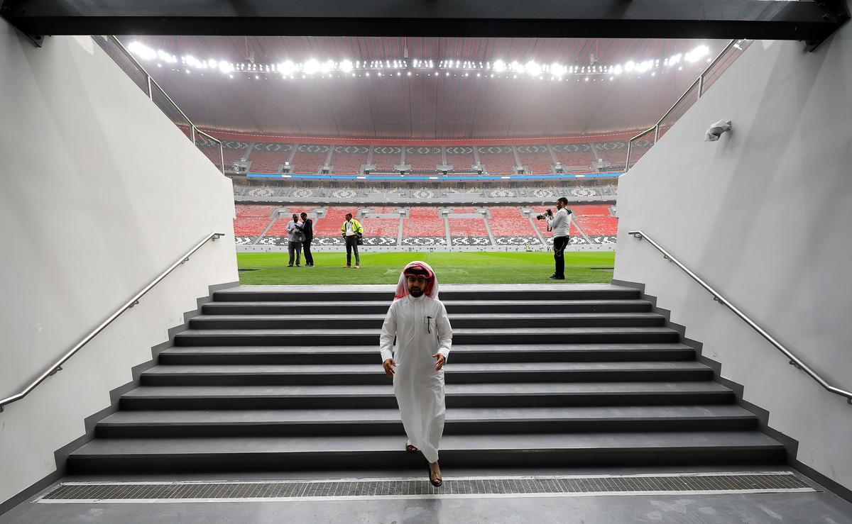 Booze and football present tricky choices for Qatar