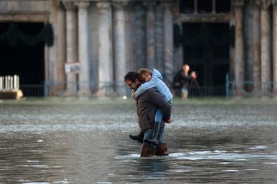 Venice under water again
